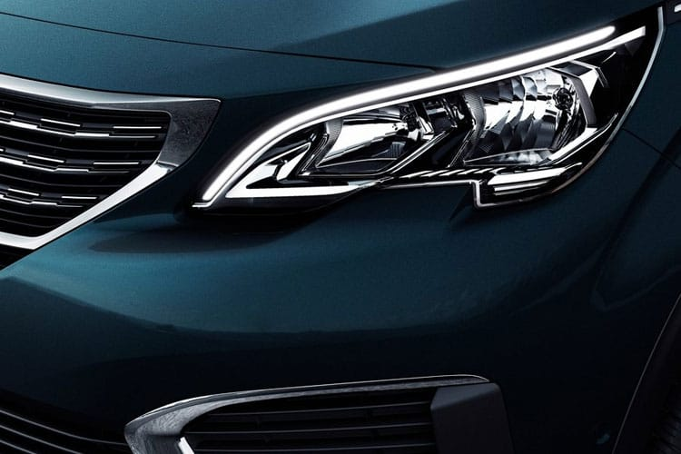 Peugeot 5008 SUV 1.2 PureTech 130PS Allure Premium 5Dr EAT8 [Start Stop] detail view