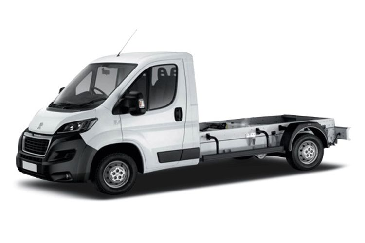 Peugeot Boxer 335 L3 2.2 BlueHDi FWD 140PS S Chassis Cab Manual [Start Stop] front view