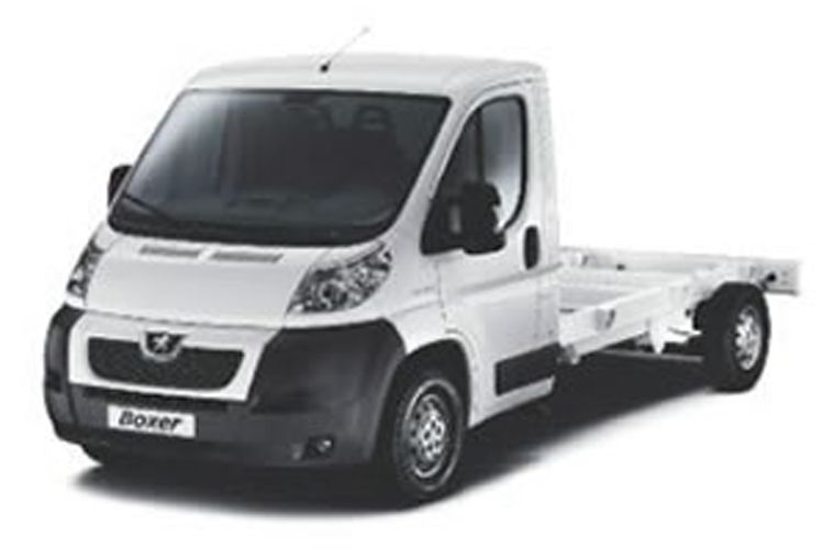 Peugeot Boxer 335 L3 2.2 BlueHDi FWD 140PS S Platform Cab Manual [Start Stop] front view
