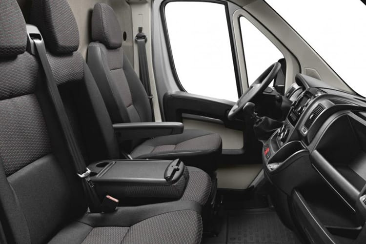 Peugeot Boxer 335 L2 2.2 BlueHDi FWD 140PS Built for Business Plus Tipper Manual [Start Stop] inside view