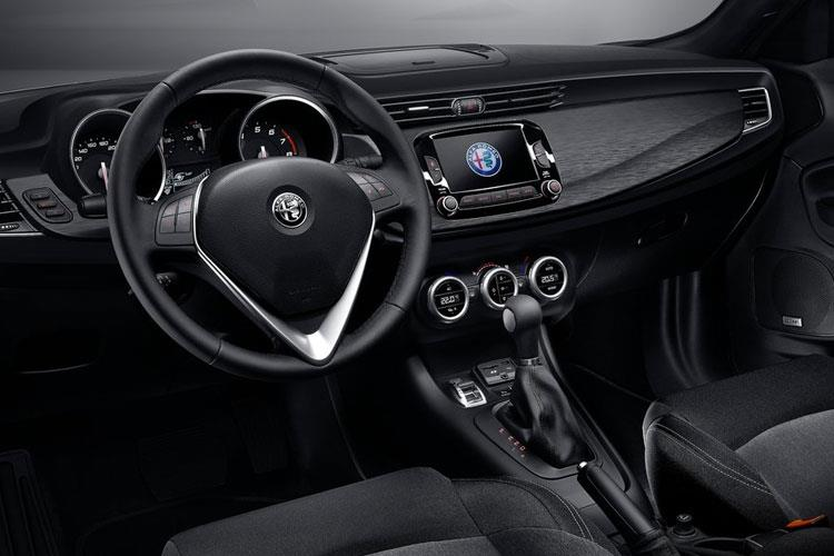 Alfa Romeo Giulietta Hatch 5Dr 1.6 JTDM-2 120PS Sprint 5Dr Manual [Start Stop] inside view